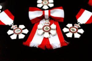 Order of Canada insignia. (MCpl Vincent Carbonneau, Rideau Hall)
