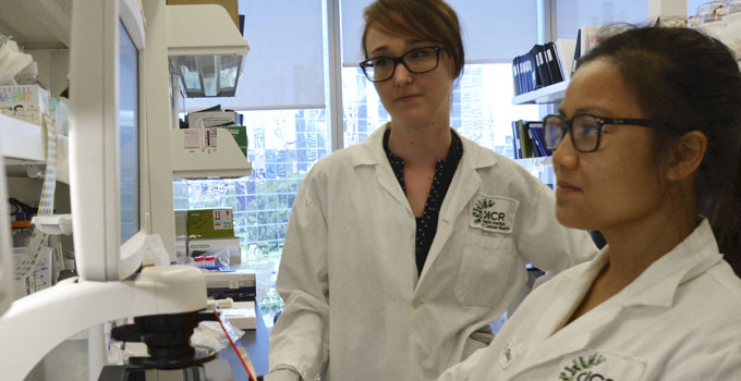 OICR Women - in the lab